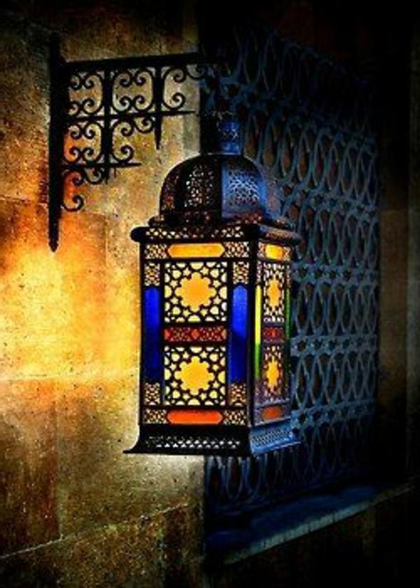 kreativ-gestaltete-marokkanische-lampen