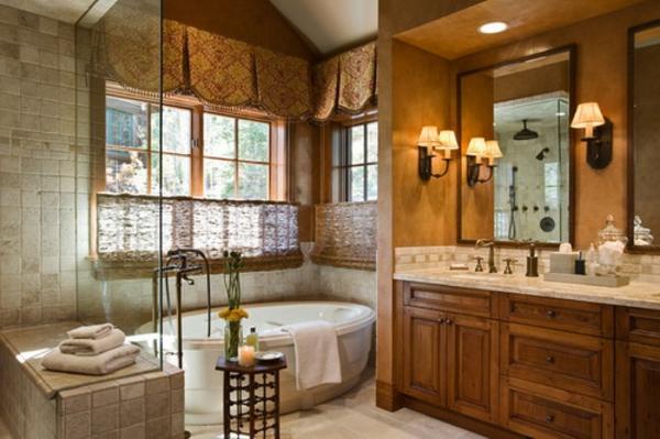 kreativ-gestaltete-rollos-für-badfentser