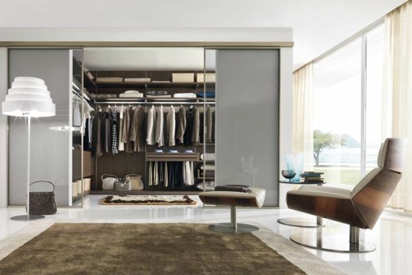 luxuriöse-Kleiderschränke-begehbar-Schiebetüren