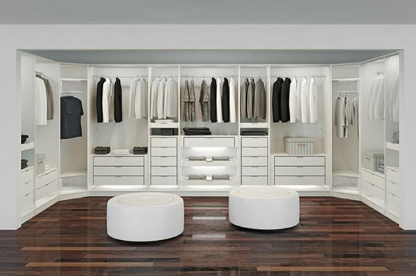 luxuriöse-Kleiderschränke-begehbar-in-Weiß
