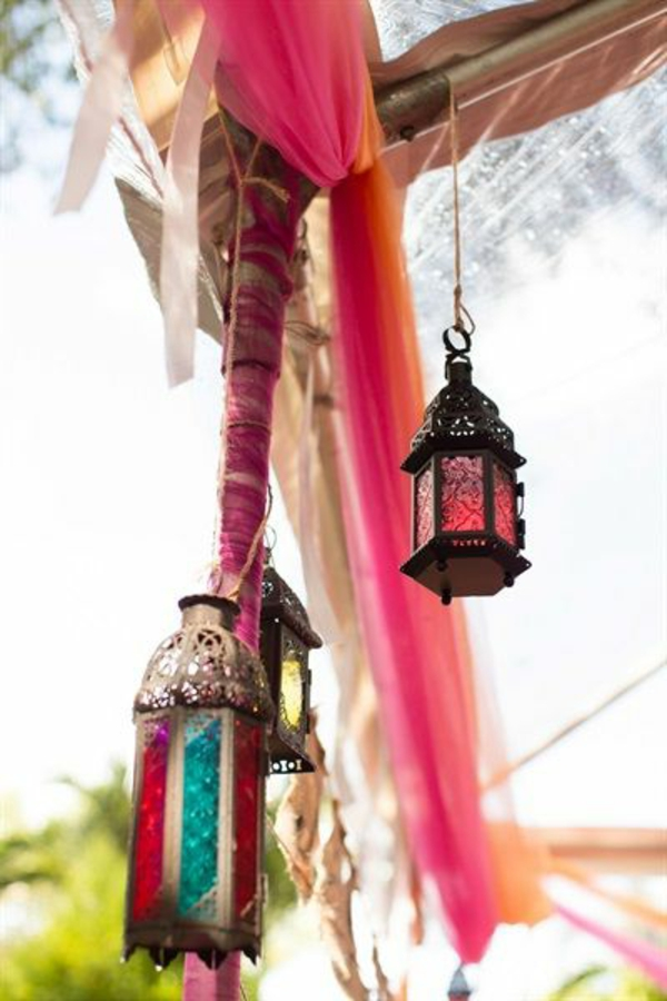 marokkanische-lampen-bunt-und-hängend