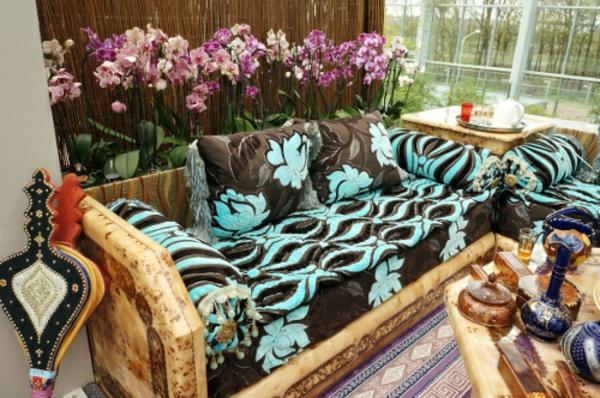 marokkanische-möbel-bunte-couch