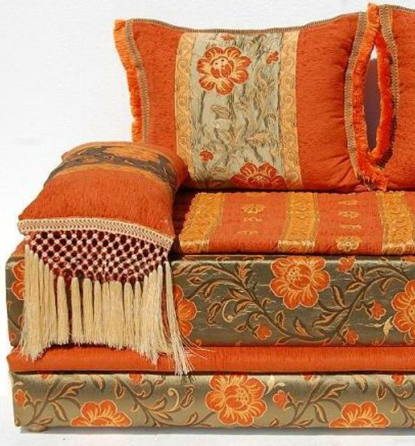 marokkanische-möbel-orange-sofa
