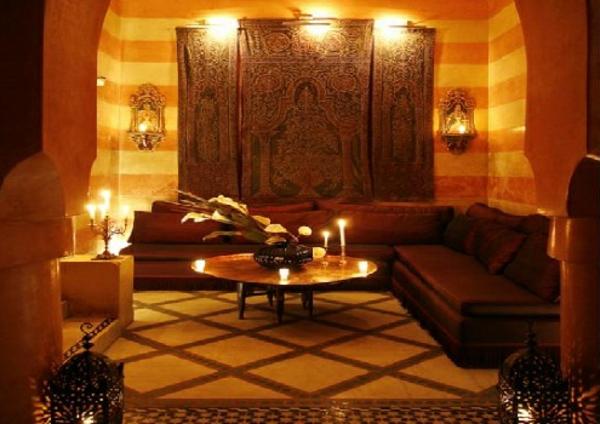 marokkanische-möbel-romantische-beleuchtung-im-zimmer