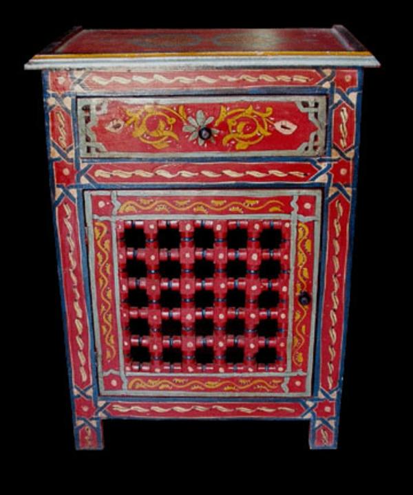 marokkanische-möbel-roter-schrank