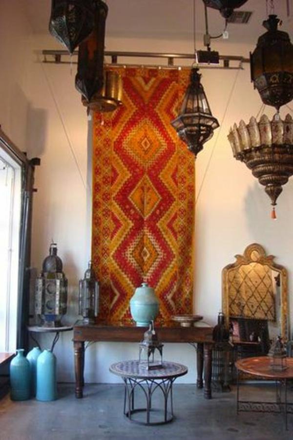 marokkanischeteppicheanderwandaufgehängt