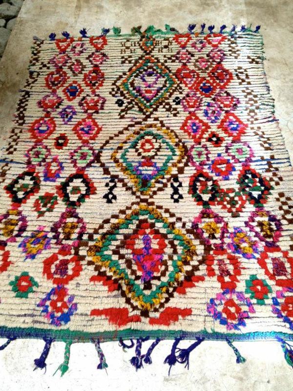 marokkanische-teppiche-mit-bunten-farbshemen