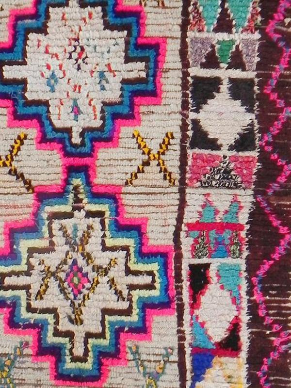 marokkanische-teppiche-rosige-elemente