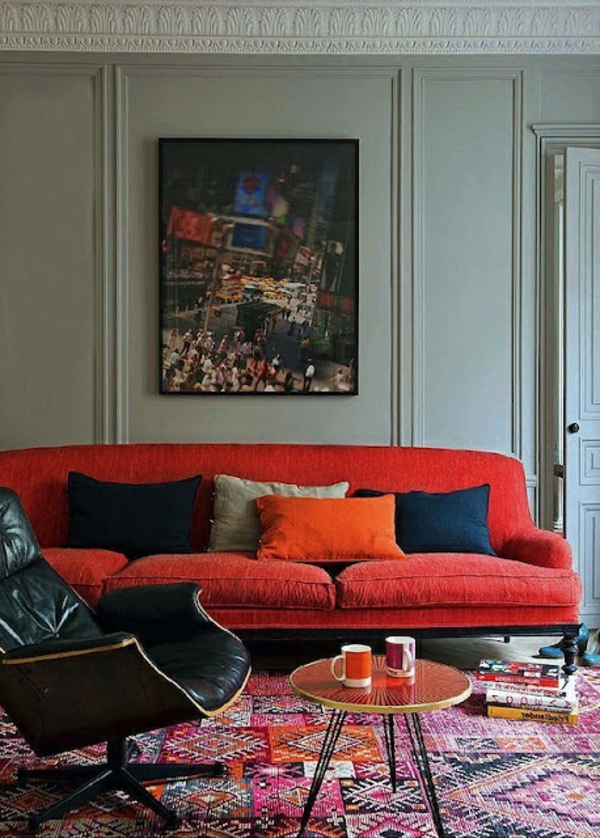 marokkanische-teppiche-rotes-sofa
