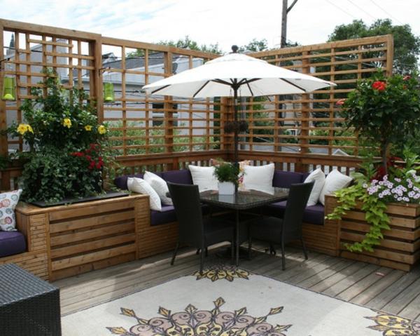minimalistisches-Design-Terrasse-mit-modernen-Möbeln-einrichten