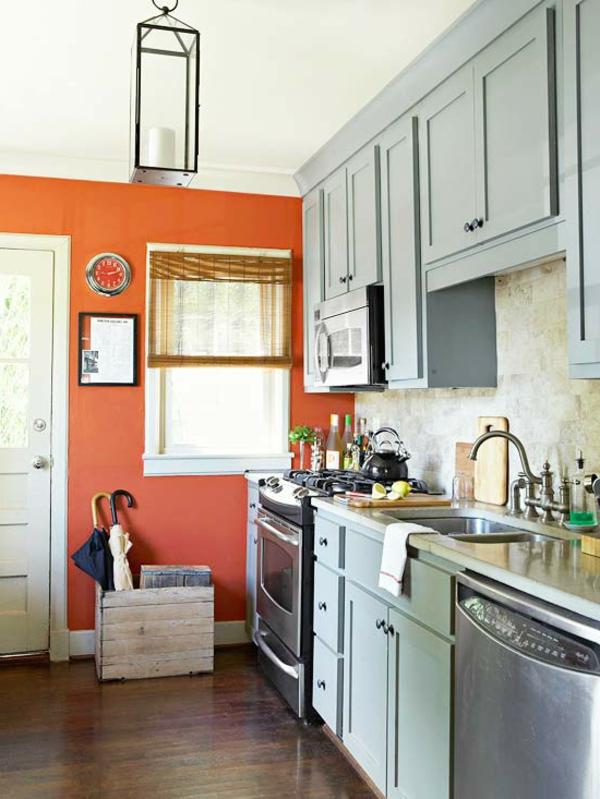 moderne-coole-orange-küchen-wandfarbe