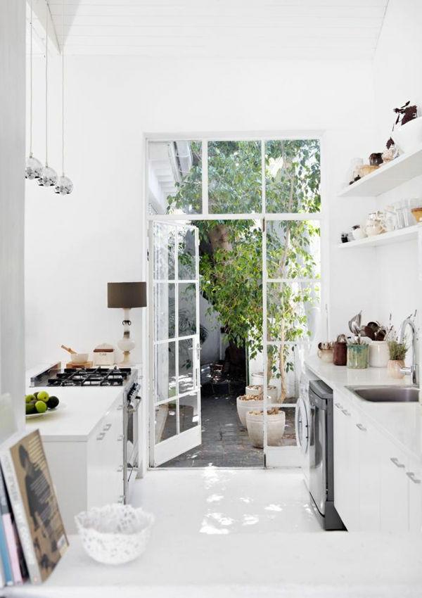 moderne-küchenmöbel-küche-in-weißer-farbe
