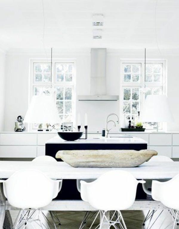 moderne-küchenmöbel-minimalistische-gestaltung-und-große-fenster