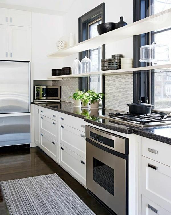 moderne-küchenmöbel-weiße-farbe-und-ein-grauer-teppich