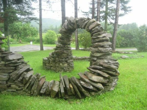 moderner-steingarten-auffälliger-look