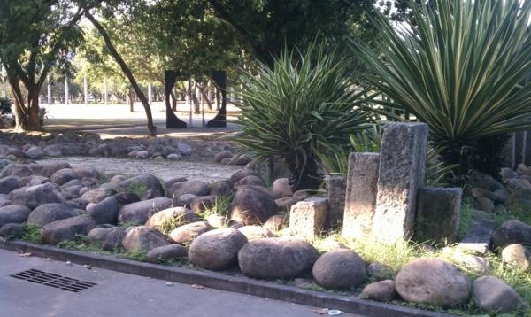 moderner-steingarten-cooler-look