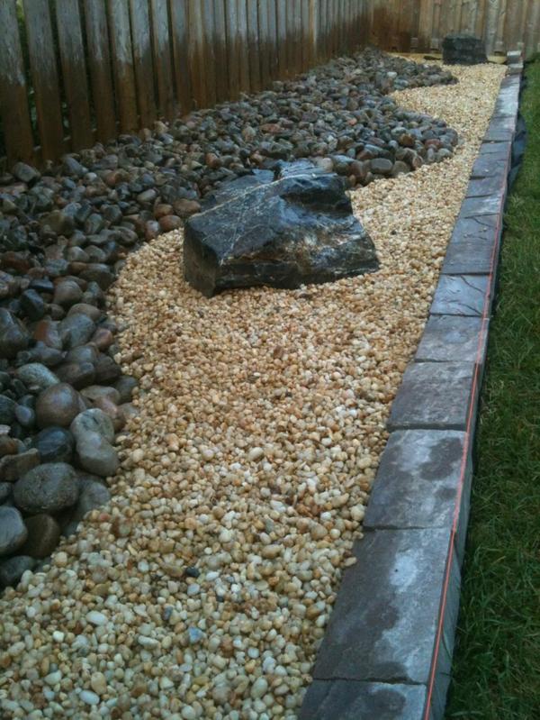 moderner-steingarten-sehr-schön-und-attraktiv