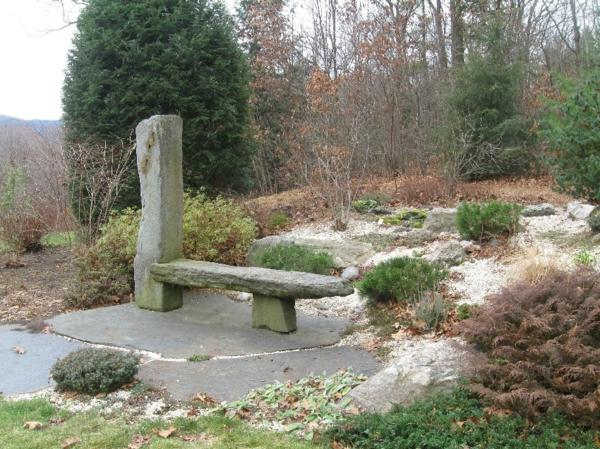moderner-steingarten-sehr-schön