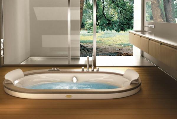 modernes-Badezimmer-mit-einer-Whirlwanne-Idee