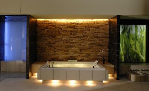 modernes- Whirpool-für-Innen-romantische-Atmosphäre