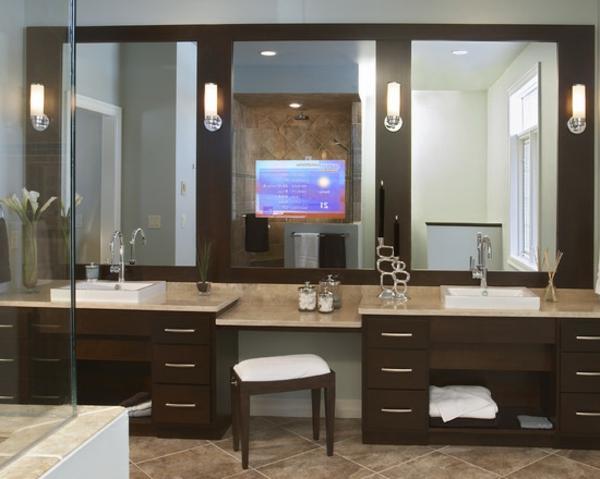 modernes-bad mit spiegeln
