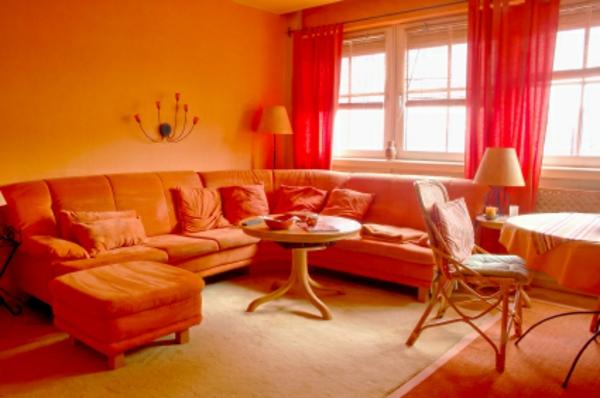 ... Wohnzimmer Mit Einem Orangen Sofa farbgestaltung wohnzimmer orange