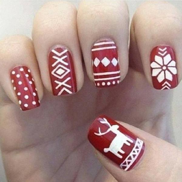 originelle-Ideen-für-eine-feierliche-Maniküre-für-Weihnachten-rot-und-wei´ß