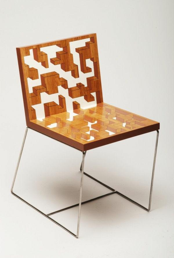 originelle-ausgeführter-Stuhl-aus-Holz