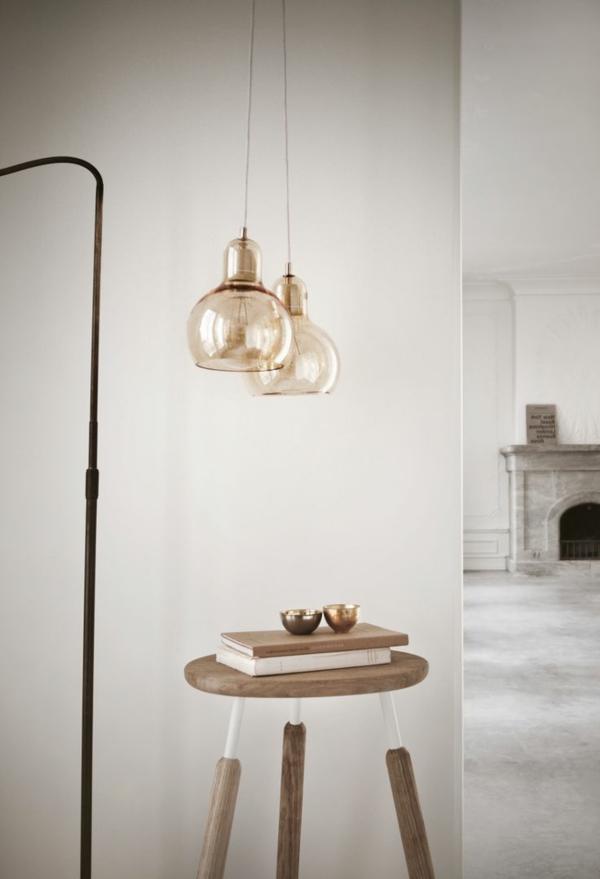 originelles-Design-Holzstuhl-dekoratives-Element