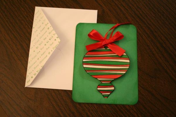 schöne Weihnachtskarten mit dekoreativen Elementen