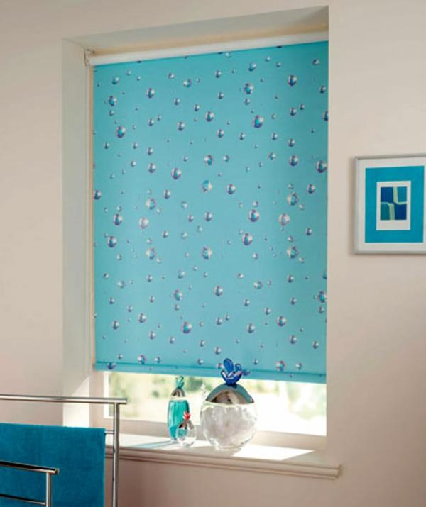 rollos-für-badfentser-blaue-farbe