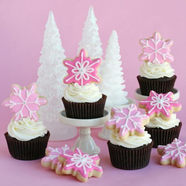 rosa-schmackhafte-Cupcakes-für-Weihnachten-backen