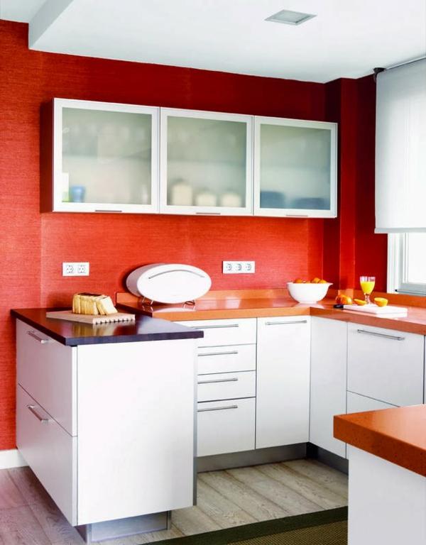 rote-küchen-wandfarbe-weiß-und-rot-kombinieren