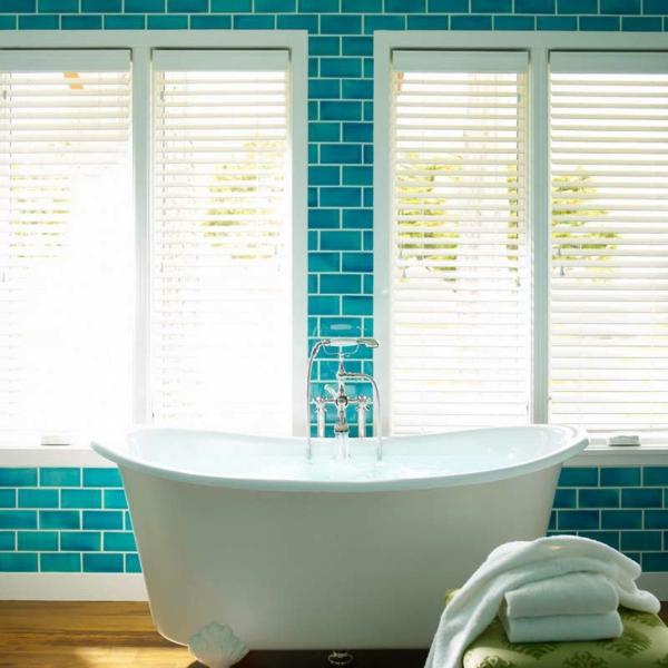 80 super designs von rollos f r badfenster. Black Bedroom Furniture Sets. Home Design Ideas