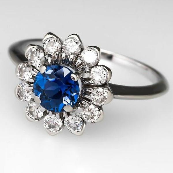 sapphire--super-moderner-Verlobungsring
