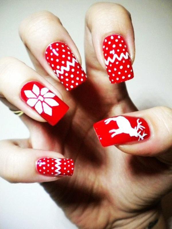 schön-dekorierte-Nägel-für- Weihnachten-Rot-und-Weiß