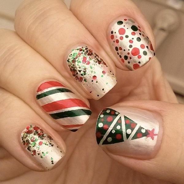 schön-dekorierte-Nägel-für- Weihnachten-fantastisches-Design Gelnägel für Weihnachten