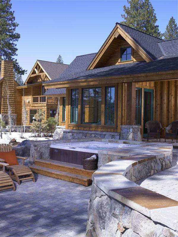 schöne-Ideen-für-die-Gestaltung-eines-perfekten-Gartens-mit- -Whirlpool--