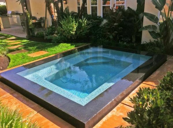 schöne-Ideen-für-die-Gestaltung-eines-perfekten-Gartens-mit- -Whirlpool
