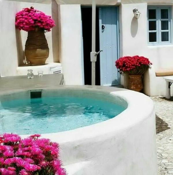 --schöne-Ideen-für-die-Gestaltung-eines-perfekten-Gartens-mit- -Whirlpool-