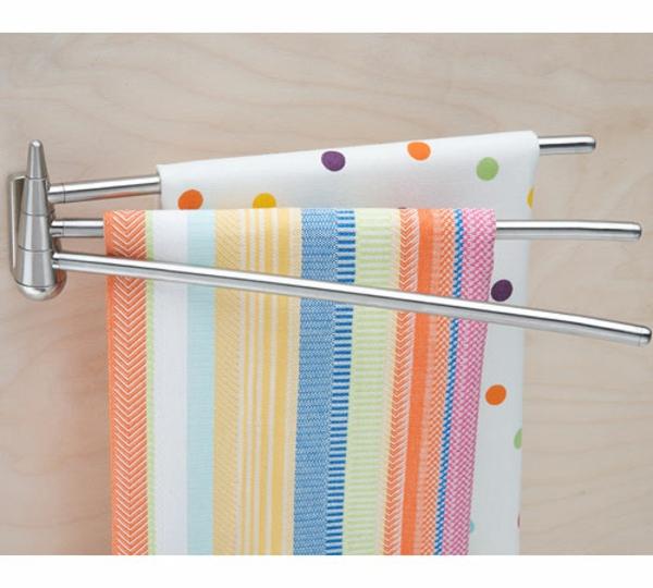 schöne-bunte-tücher-im-badezimmer