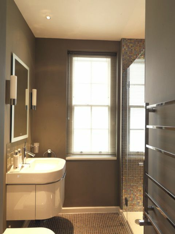 schönes-Badezimmer-mit_tollem-Design-Handtuchhalter