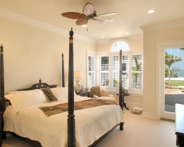 -schönes-Interior-Design-mit-stilvollen-Eeierschalenfarben-Schlafzimmer