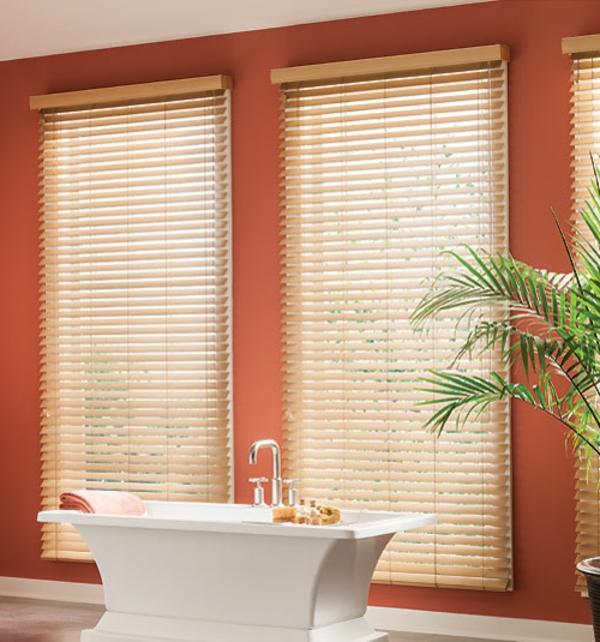 80 super designs von rollos f r badfenster - Jalousien fur dreiecksfenster ...