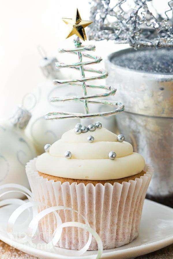 -schmackhafte-Cupcakes-für-Weihnachten-backen-