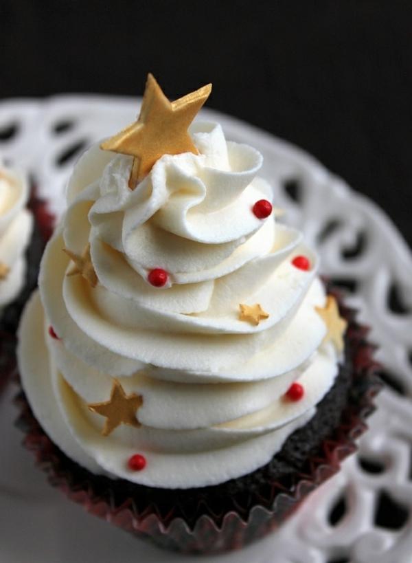-schmackhafte-Cupcakes--für-Weihnachten-backen