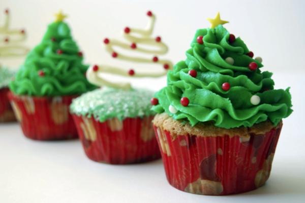 --schmackhafte-Cupcakes-für-Weihnachten-backen