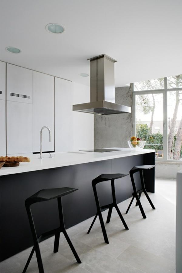 schwarze-moderne-Esszimmerstühle-mit-modernem-Design