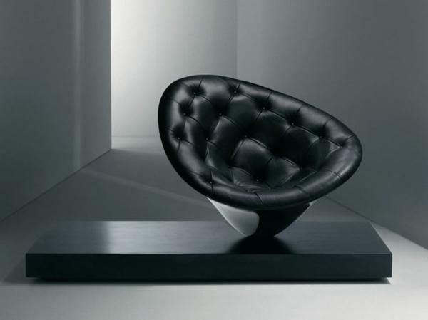 schwarzer-designer-Stuhl-mit-fantastischem-Design-Lederstuhl