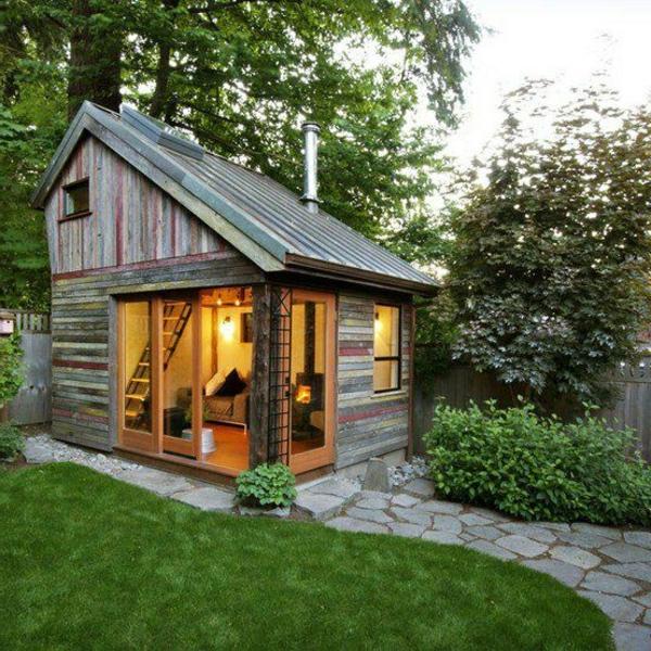sehr-schönes-modernes-Gartenhaus